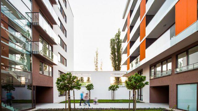 Rozsnyai utcai lakóépület-együttes