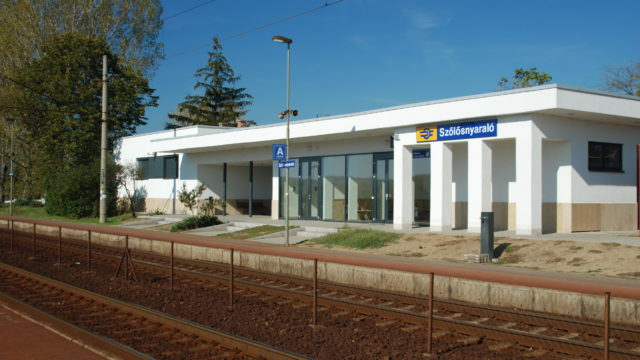 """120A RAILWAY LINE RECONSTRUCTION OF """"MODERNIST"""" STATION"""