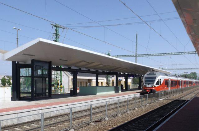 MÁV RAILWAY PLATFORM ROOFS